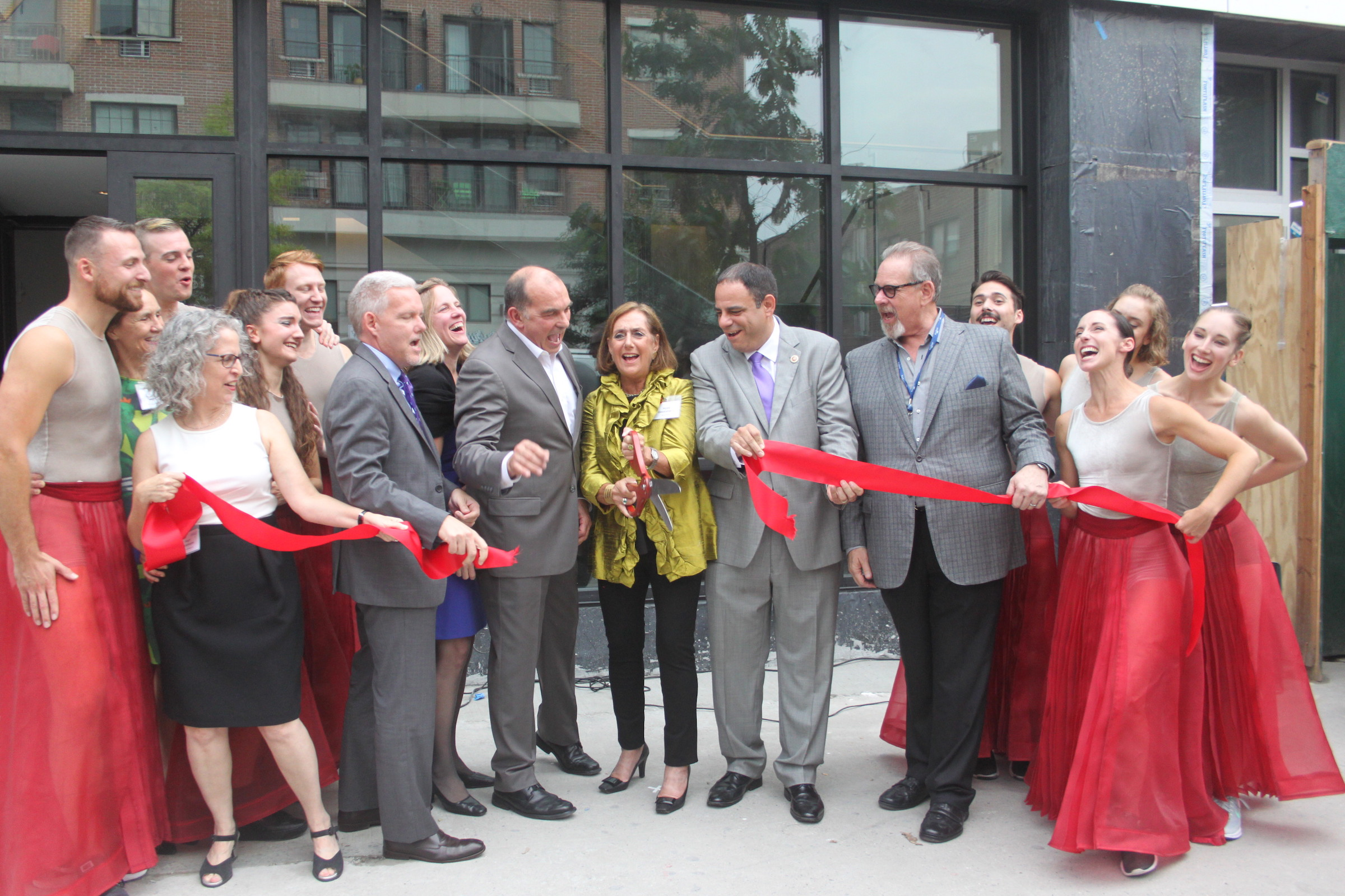 Astoria welcomed the RIOULT Dance Center to Steinway Street and 34th Avenue with a ribbon cutting ceremony.